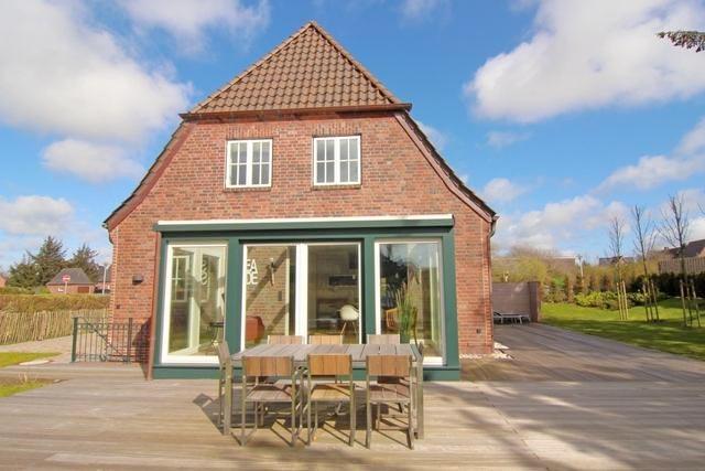 luxus ferienhaus deutschland 8 personen westerland. Black Bedroom Furniture Sets. Home Design Ideas